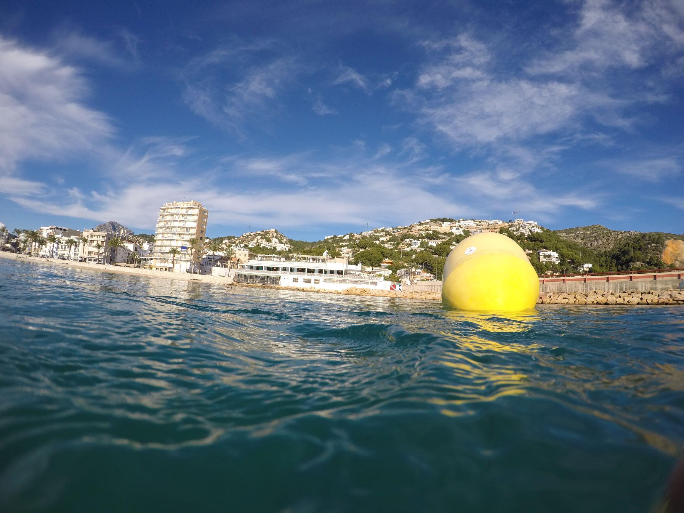 Boyas para controlar la calidad de las playas - Capital